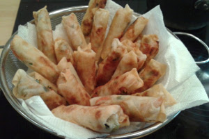 Spring rolls ready to serve